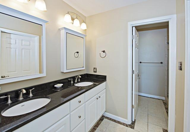 6966-Fairway-One---Master-Bathroom-10746-big.jpg