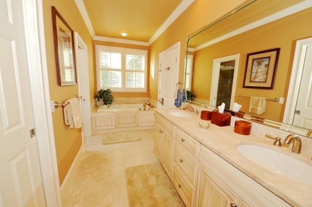 7-Painted-Bunting-Master-Bathroom-2873-big.jpg