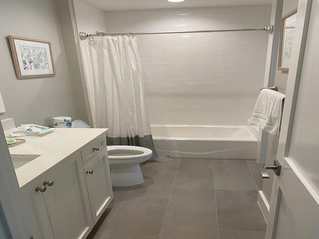 737-Schooner-Court---Guest-Bathroom-16054-big.jpeg