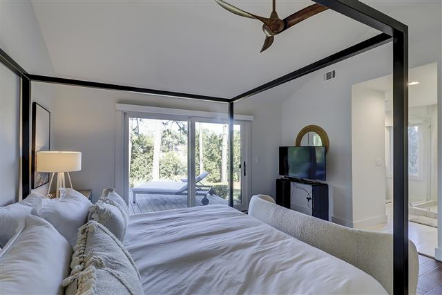 8-Gull-Point-Road----2nd-Master-Bedroom-16648-big.JPG