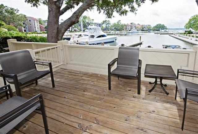 800-Clipper-Court---Deck-with-View-of-Harbour-16698-big.jpg
