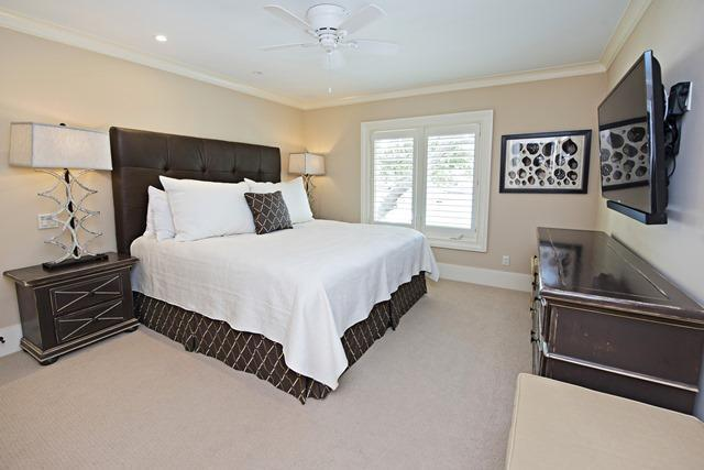 800-Clipper-Court---Master-Bedroom-10702-big.jpg