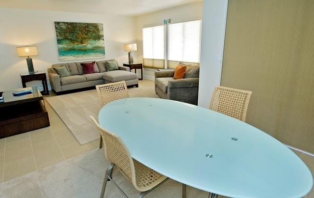 814-Clipper-Court---Living-Room-to-Dining-Room-8349-big.jpg
