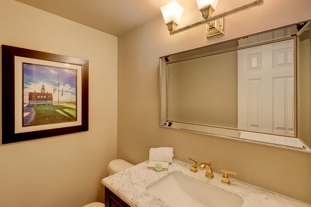 829-Ketch-Court-1st-Flr.-Half-Bathroom-13106-big.JPG