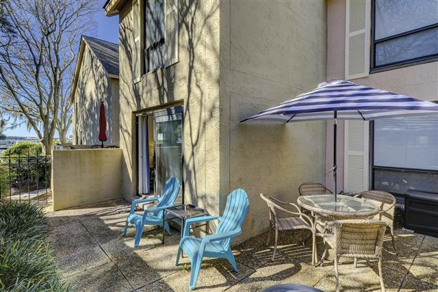 830-Ketch-Court---Patio-to-Harbour-View-17598-big.JPG