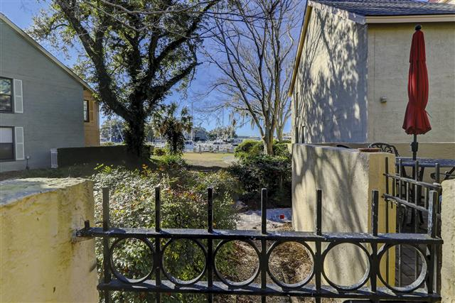 830-Ketch-Court---Patio-to-Harbour-View-17599-big.JPG
