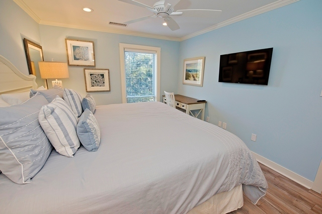 848-Ketch-Court---Master-Bedroom-3579-big.jpg