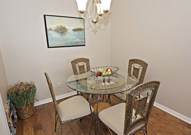 854-Ketch-Court--Dining-Area-438-big.jpg