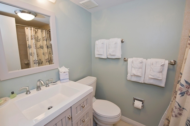 856-Ketch-Court---Master-Bathroom-7255-big.jpg