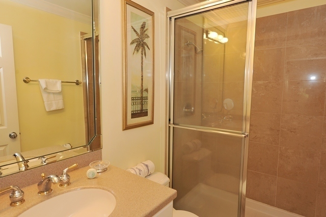 865_Ketch_Court_Bathroom865k11_big.jpg