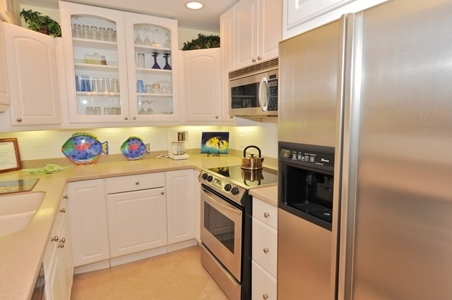 865_Ketch_Court_Kitchen865k05_big.jpg