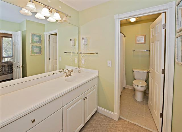 880-Ketch-Court---Master-Bathroom-9734-big.jpg