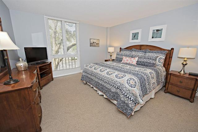 880-Ketch-Court---Master-Bedroom-9733-big.jpg