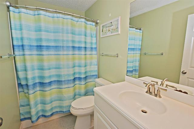 880-Ketch-Court---Queen-Bathroom-9736-big.jpg