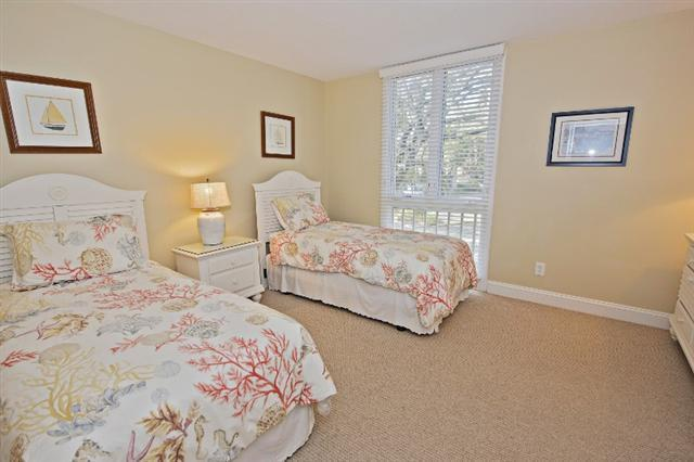 880-Ketch-Court---Twin-Bedroom-9737-big.jpg