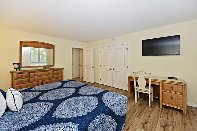 888-Ketch-Court--Master--Bedroom-8692-big.jpg
