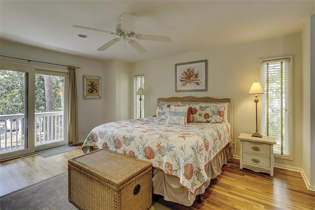 9-Laughing-Gull-Master-Bedroom-17400-big.JPG