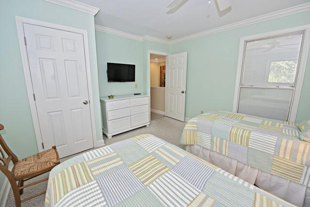 937-Cutter-Court---Guest--Bedroom-3819-big.jpg