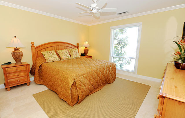 943_Cutter_Court_Master_Bedroom943c2_big.jpg