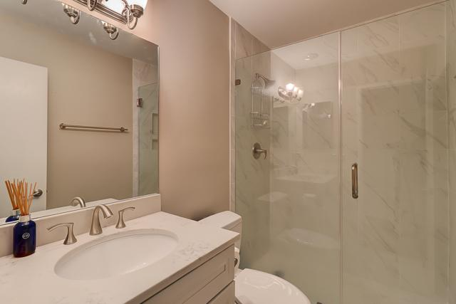 963-Cutter-Court-Master-Bathroom-12853-big.JPG