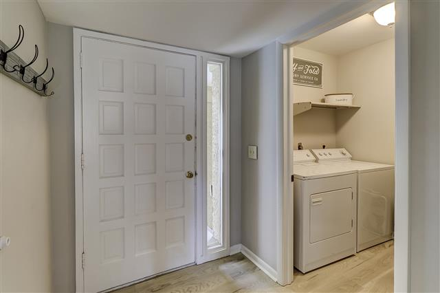 967-Cutter-Court--Laundry-Room-17455-big.JPG
