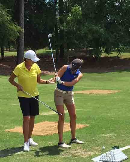 Women's Golf School Practice Session